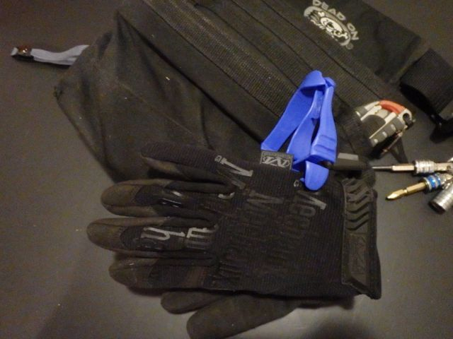 ERGODYNE Squids® 3400 Grabber with Belt Clip